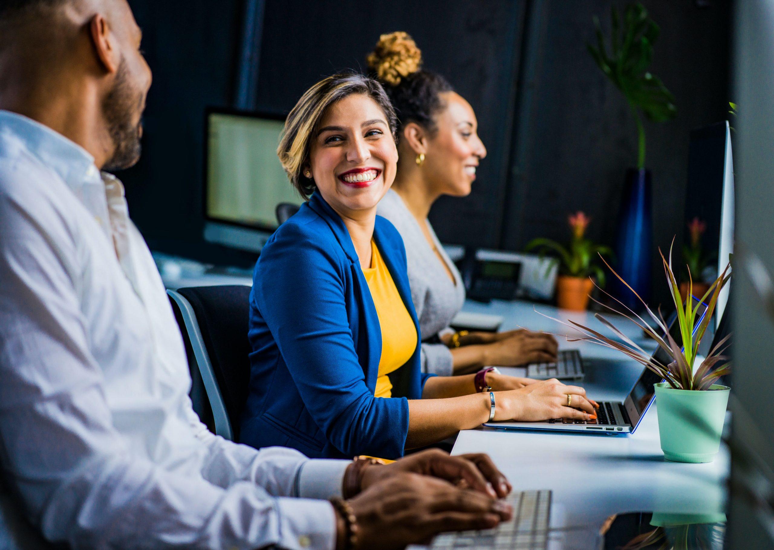 3 factores a considerar para mejorar tus estrategias de atracción y retención de empleados