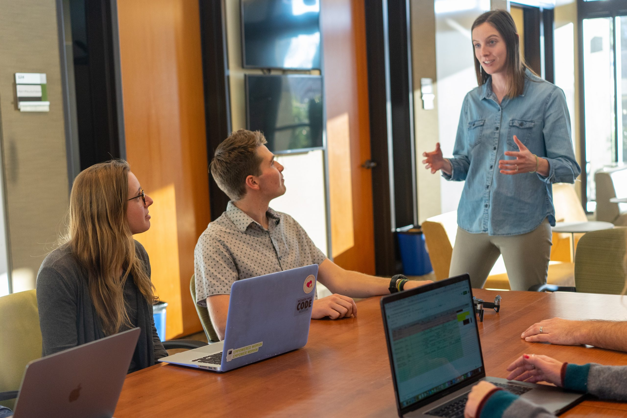 3 estrategias para aumentar el compromiso de tus empleados